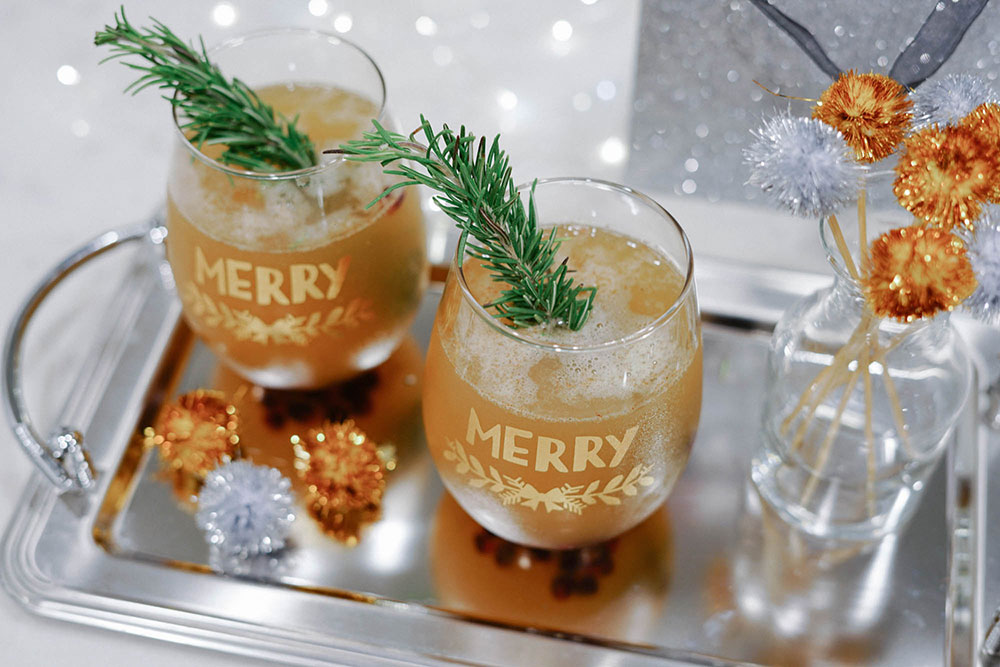 Champagne Paleo Cocktail - Christmas Cocktails