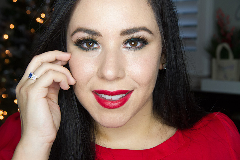 Christmas Makeup - Green liner and red lips