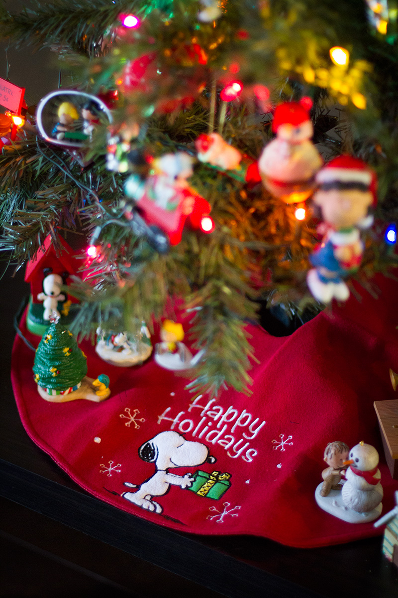 Snoopy Christmas Tree skirt