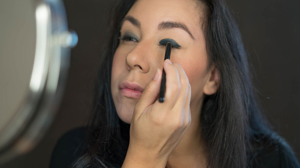 Black smokey eye how-to