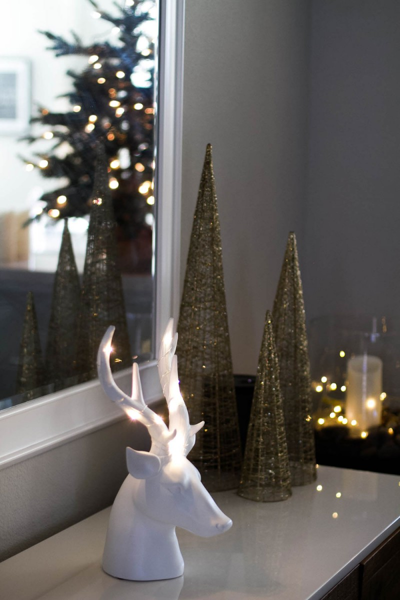 Light up deer head - Christmas Decor
