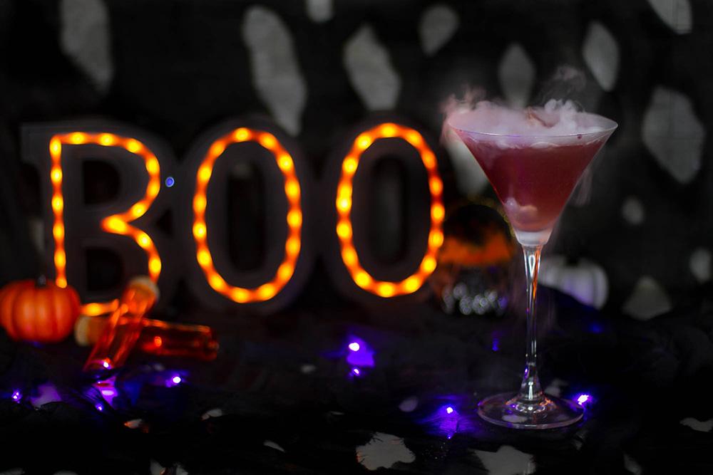Halloween Cocktail - New York Sour