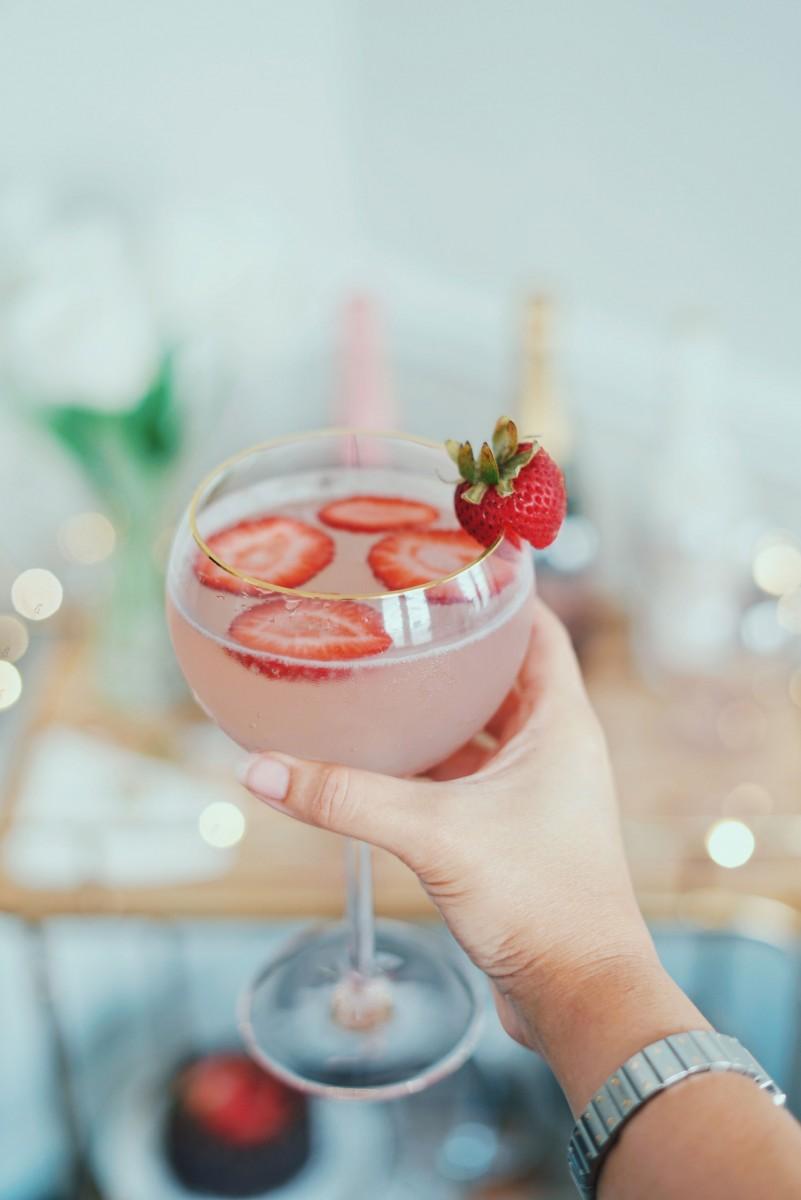 Strawberry Champagne Spritzer Recipe