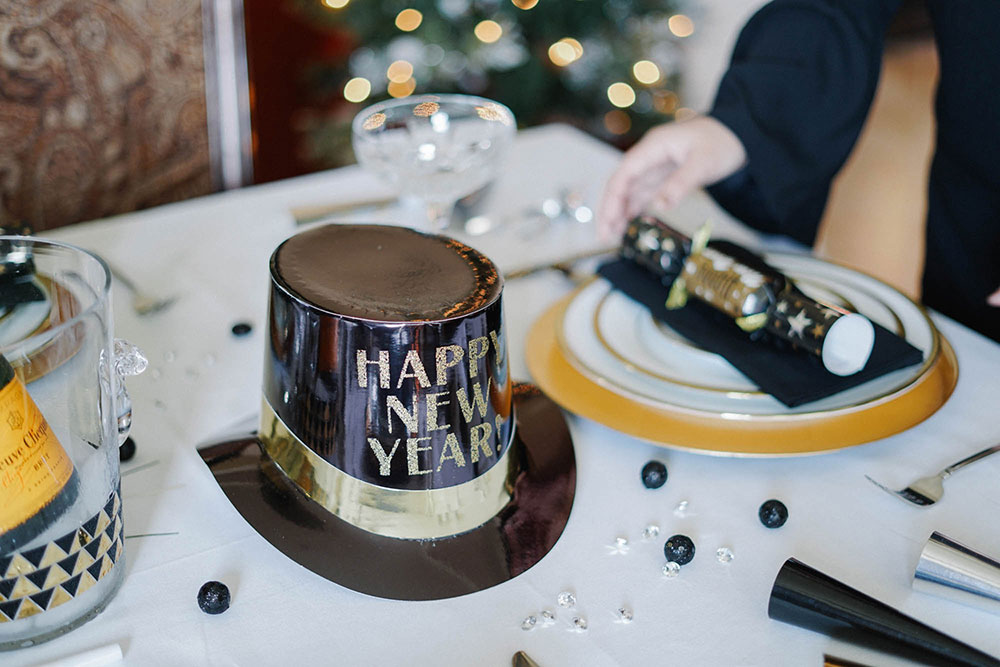 Black and Gold New Year's Eve Decor