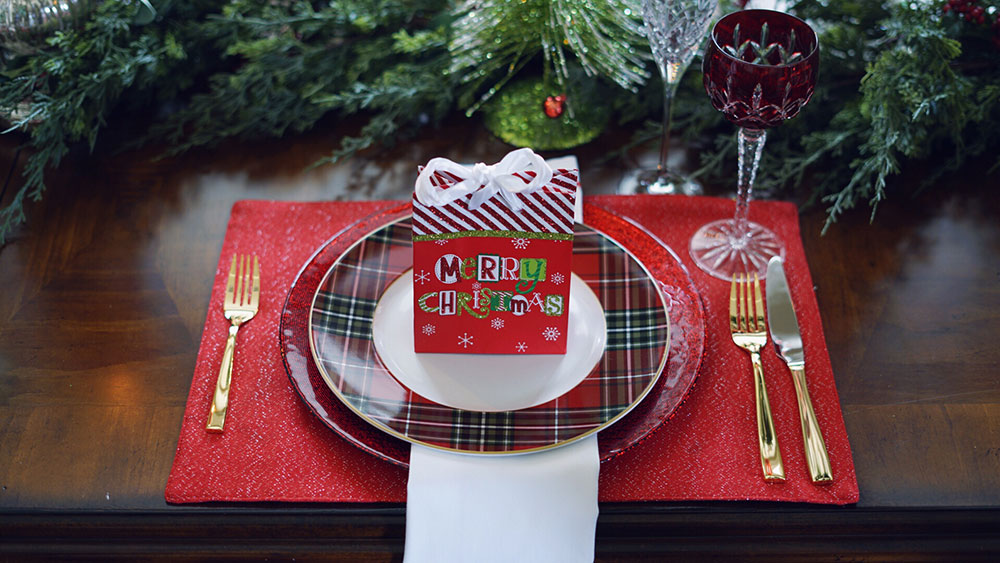 Christmas Gift Bag Plate Setting