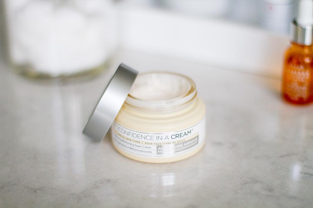 IT Cosmetics moisturizer confidence in a cream
