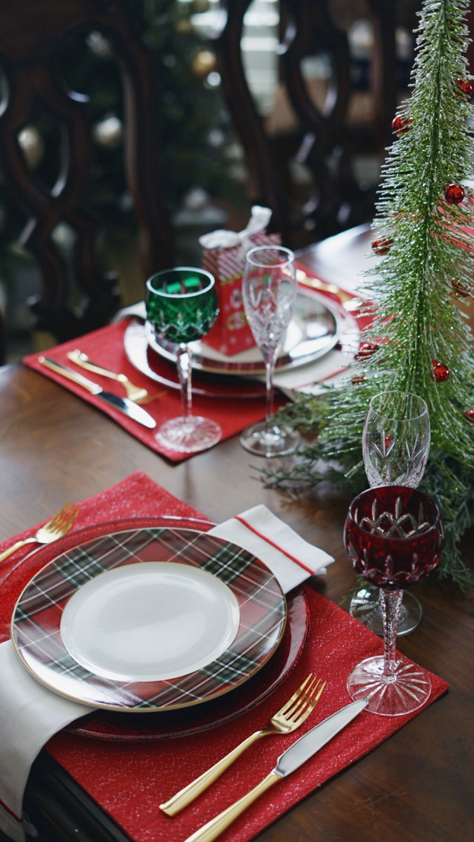 Tartan Dining Table Decor